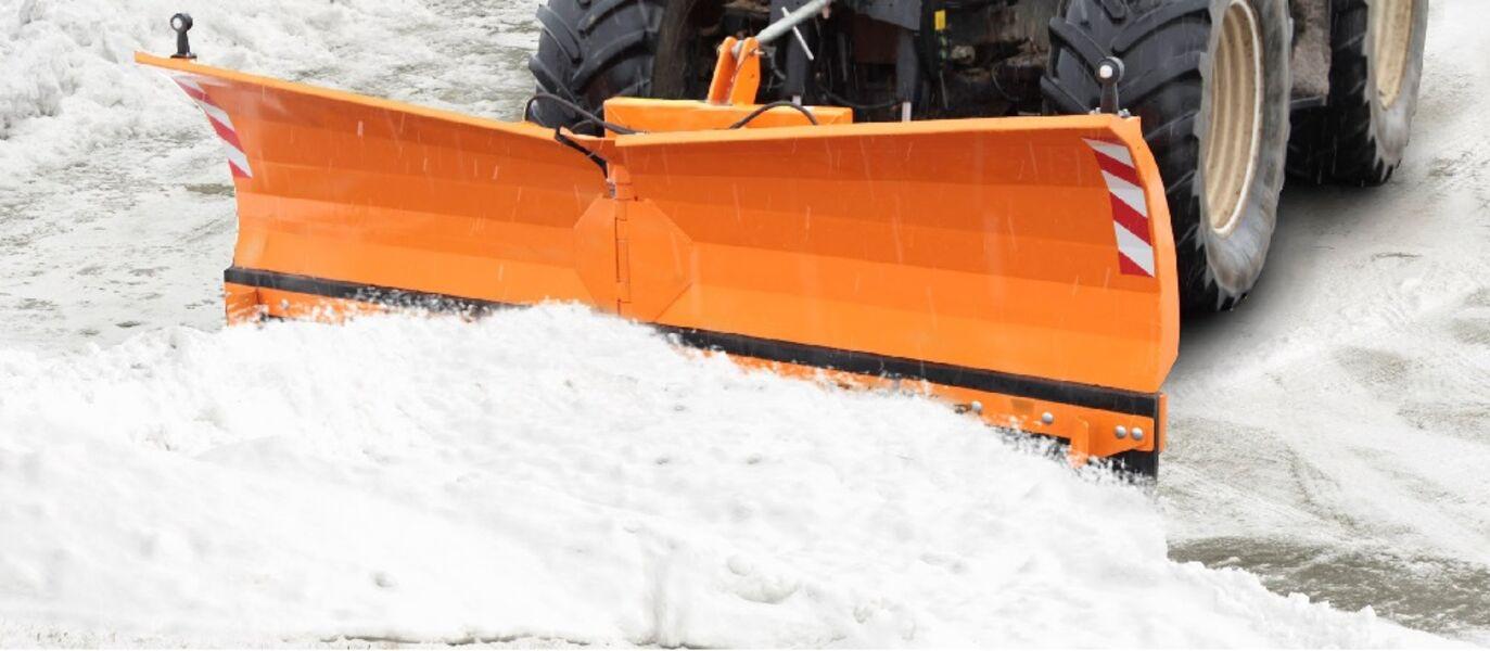 winterdienst schneer umen salzen unterhalt schneedienst splitt eiszapfen aargau seetal. Black Bedroom Furniture Sets. Home Design Ideas